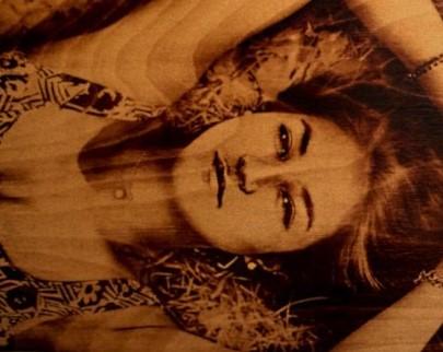 портрет на дереве на заказ в Чебоксарах